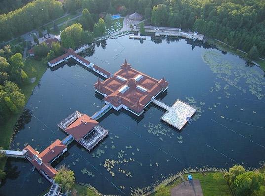 Хевиз, Венгрия, озеро, курорт, термальные воды