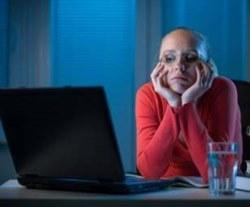 Психологи: Сочувствие в соцсетях не помогает справиться с горем и утратой