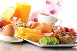 Эксперты: 5 продуктов, которые никогда не следует есть на пустой желудок