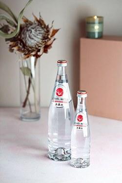 «1+1=3»: В сети аптек «Юнифарма» стартовала акция на водородную воду