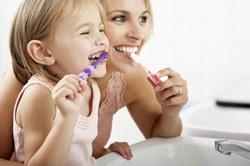 Особенности формирования привычки чистить зубы у маленьких детей